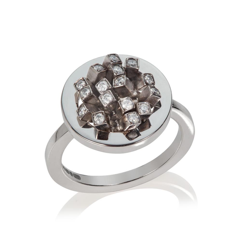 Small Circular Diamond Ruffle ring